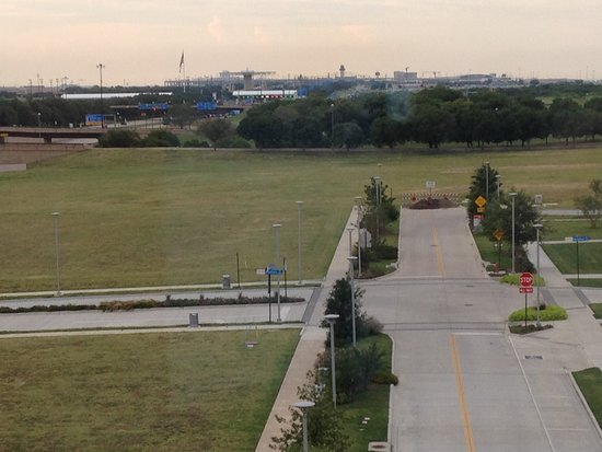 Euless, Teksas: View from room of Airport on horizon