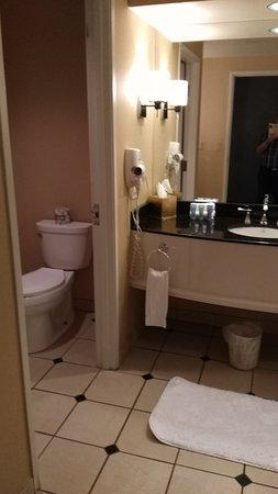 Sam's Town Hotel and Casino Shreveport: bathroom
