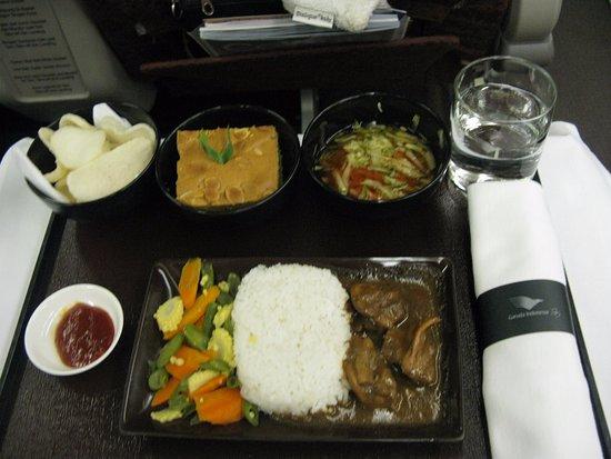 Makanan Tradisional Dengan Penataan Internasional Fotografia De