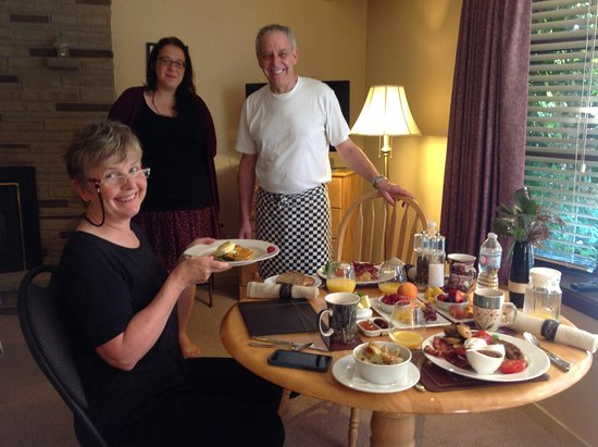 627 on King Bed and Breakfast: A delicious,made to order breakfast is served in your room.