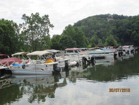 Lake Lure, NC: Boats at the Jetty