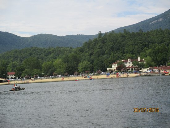 Lake Lure, NC: View of the small sandy beach