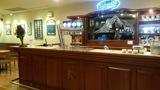 Creston, Canada: tasting bar