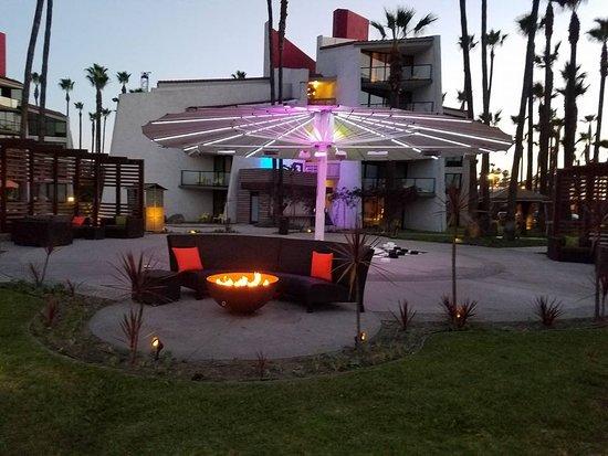 Hotel Maya A Doubletree By Hilton