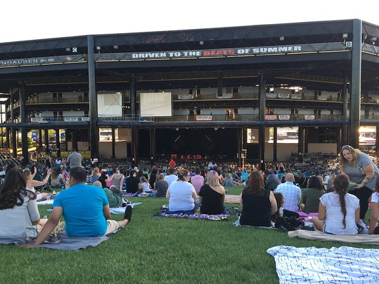 Hollywood casino amphitheater chicago