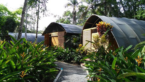 Lirio Lodge Barra de Pacuare: Bungalow and Tent area all with private bathroom