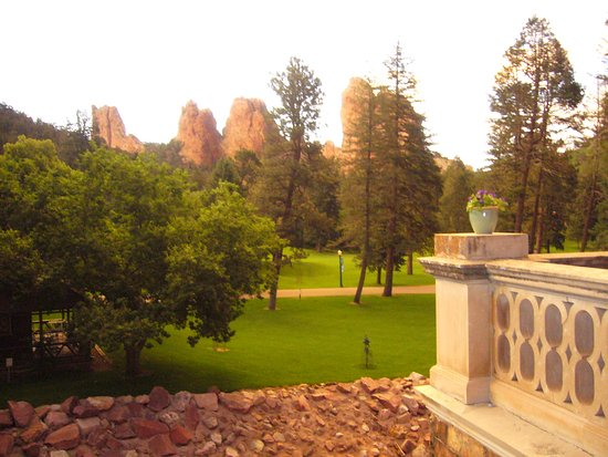 Glen Eyrie Castle & Conference Center: View from of rock formations from Castle terrace.