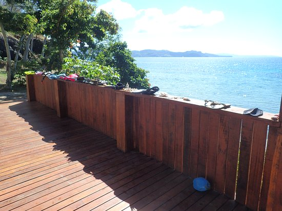 Vanua Levu, Fiyi: Our dryer - the rail of our villa's deck
