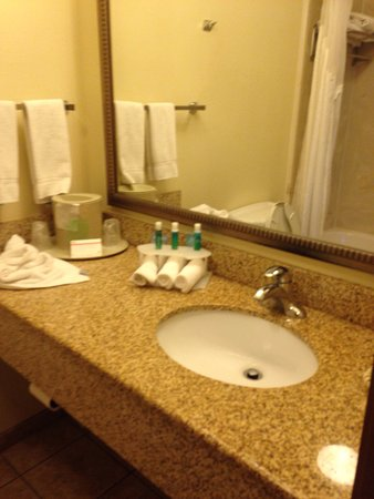 Holiday Inn Express Hotel & Suites Pueblo North: photo0.jpg