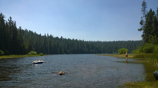 Emigrant Gap, CA: Lake Beach Area