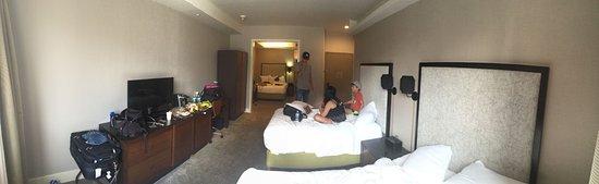 The Leon Hotel: Room 208 - 2 double beds, 1 queen in separate room.