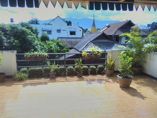 The Chiang Mai White House: terrace
