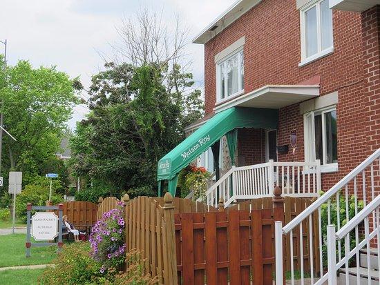 Auberge Maison Roy: Vue extérieure de l'auberge