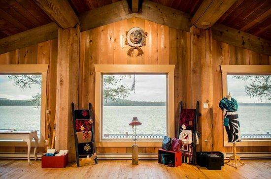 Gin Kuyaas-Haida Art Studio & Gifts