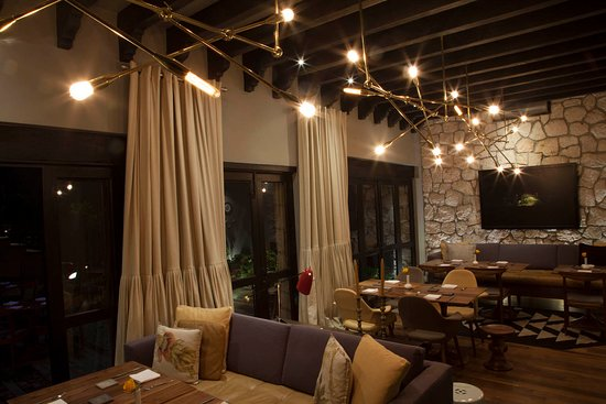 Hotel Dos Casas: Aperi Restaurante, por Matteo Salas.
