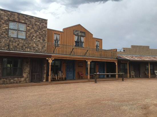 Tombstone Monument Ranch Image