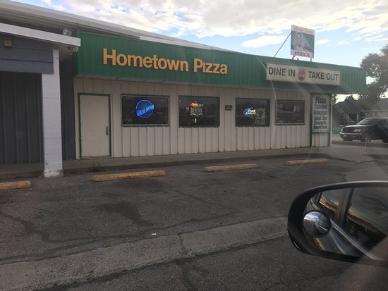‪‪Omak‬, واشنطن: Hometown Pizza‬