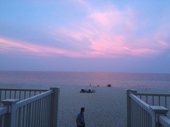 Sun Tower Hotel & Suites on the beach: photo0.jpg