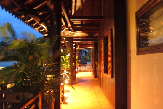 The SAMAR Villa & Spa Resort: Corridor of second floor
