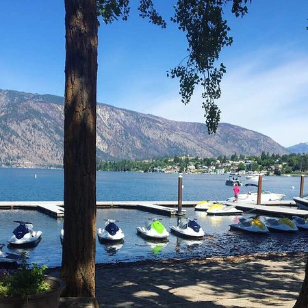 Chelan, WA: Shoreline Watercraft & Boat rentals at their beautiful private location on wapato point in Manso