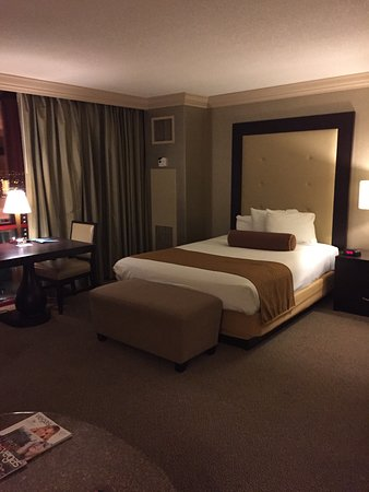 Are non smoking hotels in las vegas
