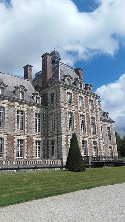 Balleroy, Frankrike: The front of the Chateau de Bellroy