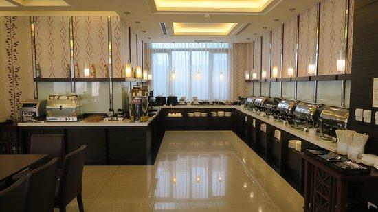 Naruwan Garden Hotel: 自助式早餐