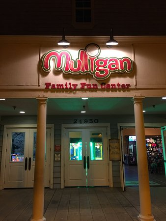 Mulligan Family Fun Center: Fun Games, Golf & Rides