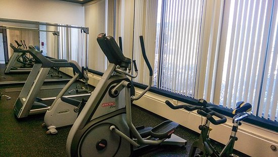 Radisson Hotel New Rochelle: Gym
