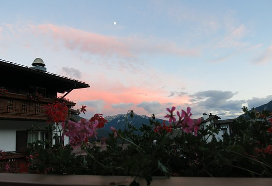 Hotel Cima Dodici: coucher de soleil vu de notre balcon