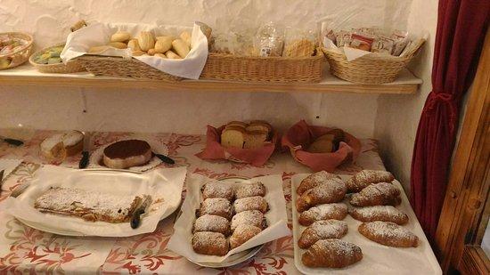 Hotel Garni' Millepini: La splendida colazione.