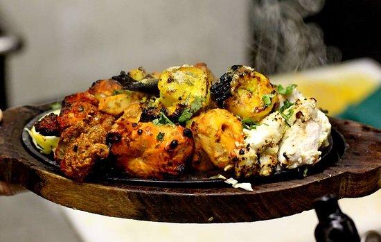 Delhi 7 Indian Restaurant and Bar: Tandoori Platter