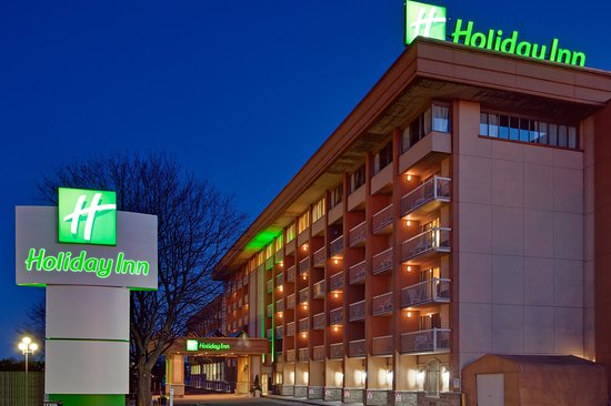 Holiday Inn Kingston - Waterfront : We'll leave the light on for you!