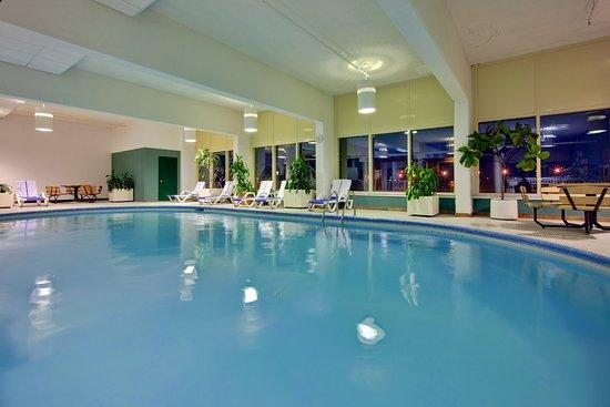 Holiday Inn Kingston - Waterfront : Freshly renovated Indoor Swimming Pool