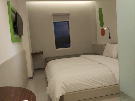 Facade Picture Of Pop Hotel Pasar Baru Jakarta Tripadvisor