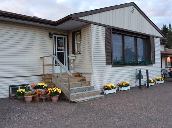Nipigon, Kanada: Outside of Motel