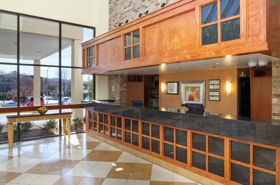 Oak Ridge, TN: Desk View of Lobby