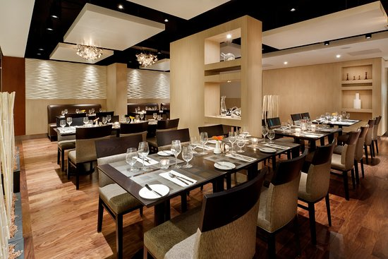 Holiday Inn Toronto Downtown Centre: The Carlton Restaurant