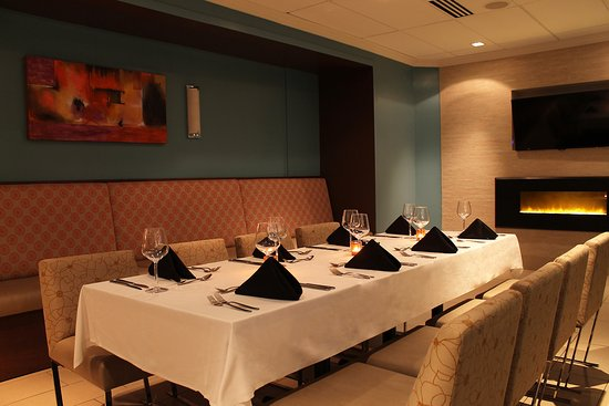 Canvas Restaurant Bar - Picture Of Cambridge Suites - Halifax