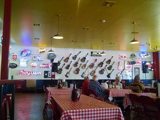 Interior decor - Picture of Babb Brothers BBQ, Dallas ...