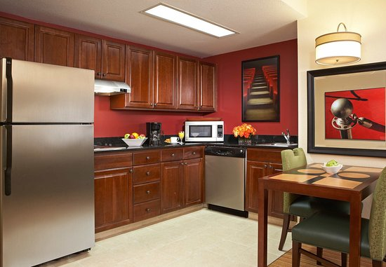 Residence Inn Beverly Hills : Fully-Equipped Kitchen