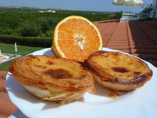 Flor da Laranja: Fresh orange and pastel de nata