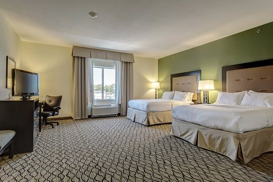 Poplar Bluff, MO: Two Queen Accessible Room
