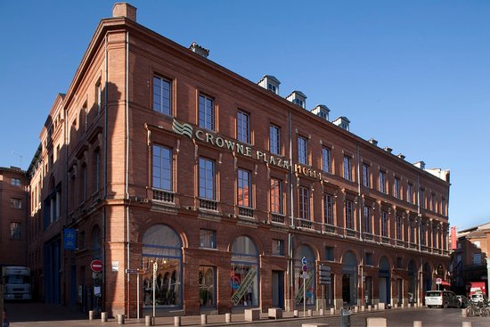Crowne Plaza Toulouse: In the heart of the pink city, discover the city center