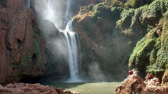 Riad Cascades d'Ouzoud : The waterfall just below the hotel