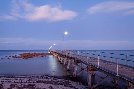 Moonta Bay Caravan Park : Sunrise Moonta Bay Jetty