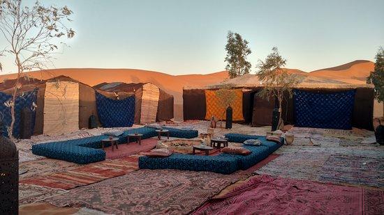 Hotel Kasbah Mohayut: Desert camp - dining area