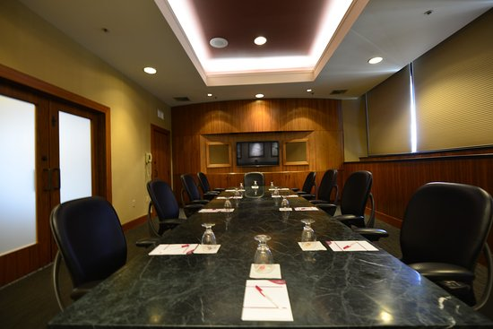 Pittsfield, MA: Boardroom
