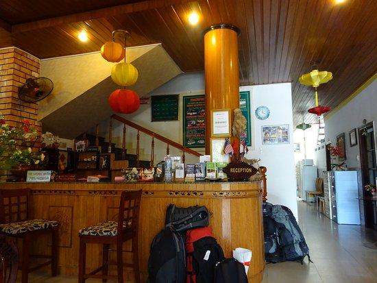 Hoang Trinh Hotel: フロント