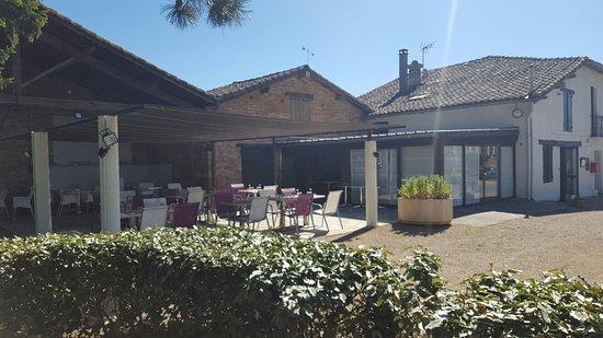 Bondigoux, Frankrike: Une Autre Maison